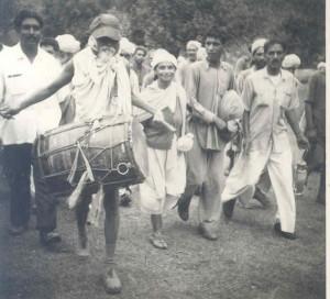 Gramdan March in 1960- Acharya Vinoba Bhave at Sirsa