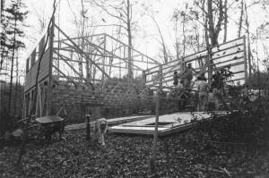 WCLT-housebuilding2-1983